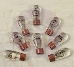 891541 Prima Junkyard Findings Small Typo Bulbs-0